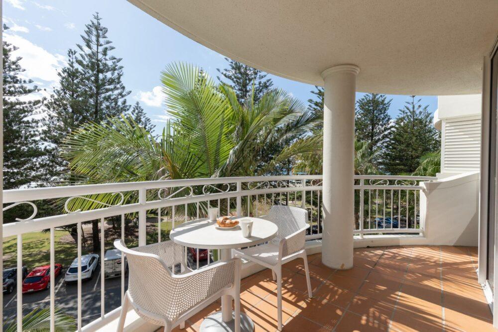Burleigh Med Resort 1 Bedroom Oceanview Apartment