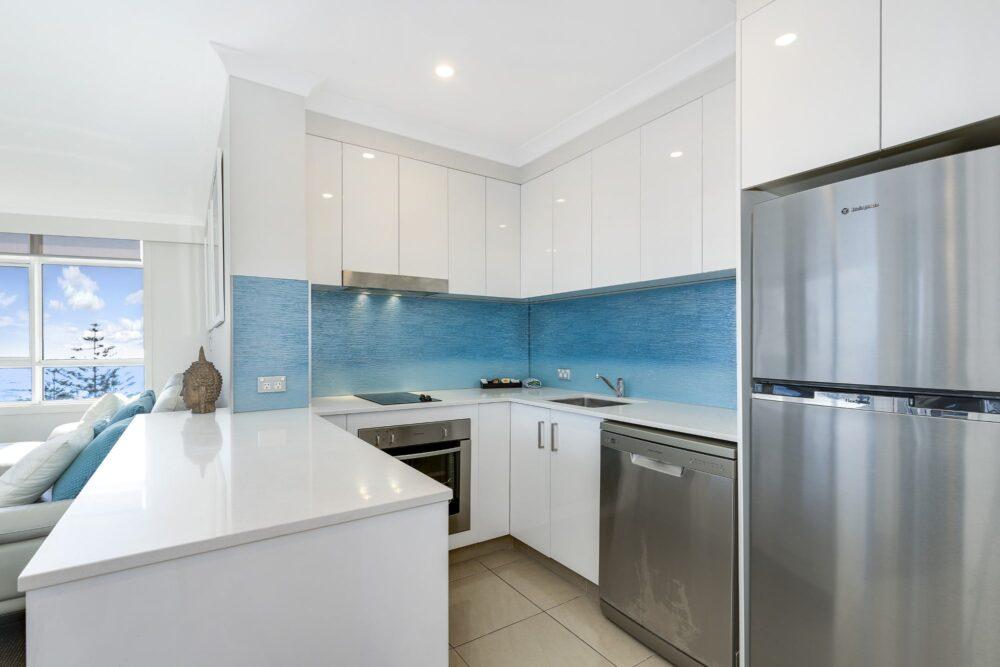1 Bed Ocean View Superior Kitchen 1002