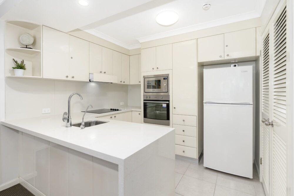 2 Bed Superior Kitchen 0203